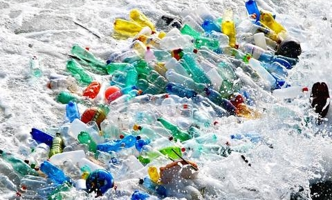plastic-bottles-in-oceanb