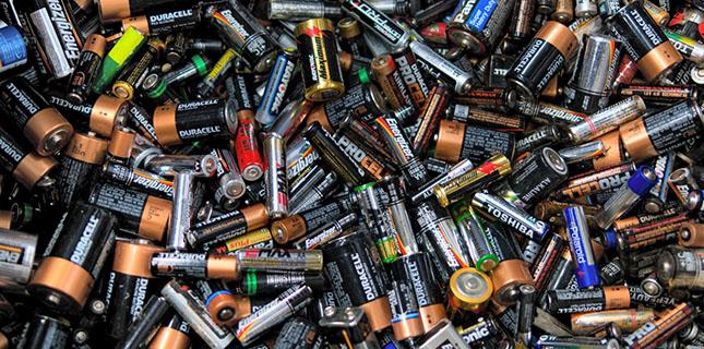 Românii reciclează doar 8% din bateriile folosite, iar în 2016 ținta este de 45%
