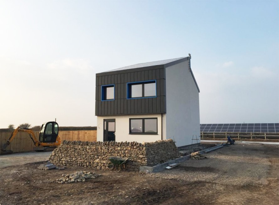 Solcer-House-by-Cardiff-University's-Phil-Jones-889x654
