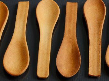 Bakeys-edible-spoons-in-a-row-1020x610